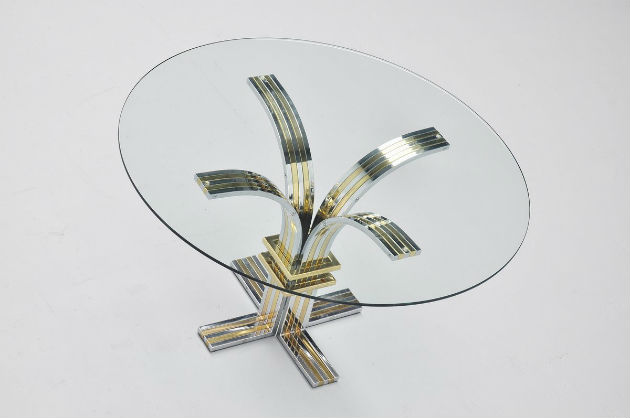 The Most Iconic Round Dining Tables