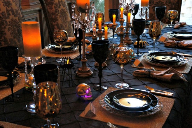 Halloween Party Ideas: Dining Room Design Halloween Party Ideas Halloween Party Ideas: Dining Room Design Room Decor Ideas Room Ideas Dining Room Halloween Halloween Party Ideas Halloween Ideas Halloween Decoration Ideas 6 658x437