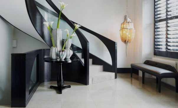 20 Luxury Homes by Kelly Hoppen Trendy Side Table Designs Trendy Side Table Designs to use on Hallway Room Decor Ideas Kelly Hoppen Room Design Home Interiors Luxury Interior Design Hallway Decor 603x366