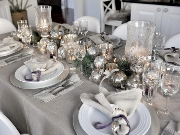 New Year's Eve Party Ideas for Home: Get a luxury Table Setting New Years Eve Party Ideas for Home New Years Eve Party Ideas for Home: Get a Luxury Table Setting Room Decor Ideas Room Ideas New Years Eve Party Ideas Table Setting Luxury Interior Design Luxury Dining Room Design 1 600x450