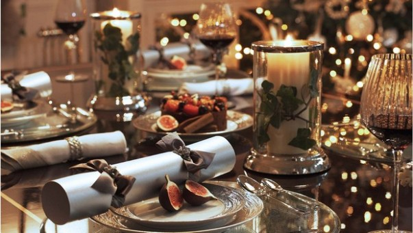 10 Luxury Christmas Decorating Ideas for Table Setting luxury christmas decorating ideas for table setting 10 Luxury Christmas Decorating Ideas for Table Setting Room Decor Ideas Room Ideas Room Design Dining Room Ideas Luxury Dining Room Table Setting Christmas Decorating Ideas 12 603x341