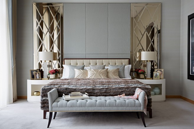 10 Katharine Pooley's Bedroom Designs You Have to Know bedroom designs by katharine pooley 10 Bedroom Designs by Katharine Pooley You Need to Know Room Decor Ideas Luxury Interior Design Luxury Bedroom 10 Katharine Pooley   s Bedroom Designs You Have to Know 14 658x439