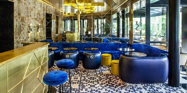 Restaurant Designs by India Mahdavi Restaurant Designs by India Mahdavi to Inspire your Dining Room Decor Room Decor Ideas 5 Restaurant Designs by India Mahdavi to Inspire your Dining Room Decor Luxury Interior Design 7 C  pia