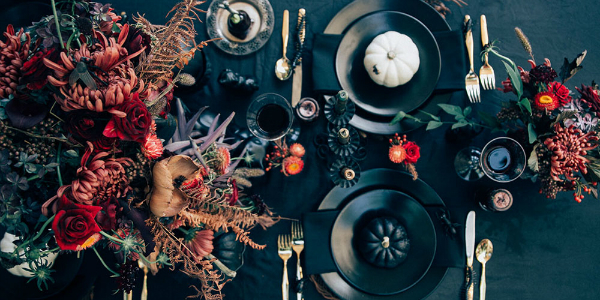Have a Stylish Party with These Halloween Decorations ➤ To see more news about the Interior Design Ideas, subscribe our newsletter right now! #interiordesignideaa #bestdesignideas #roomdecorideas #halloweendecorations #halloweendecorideas