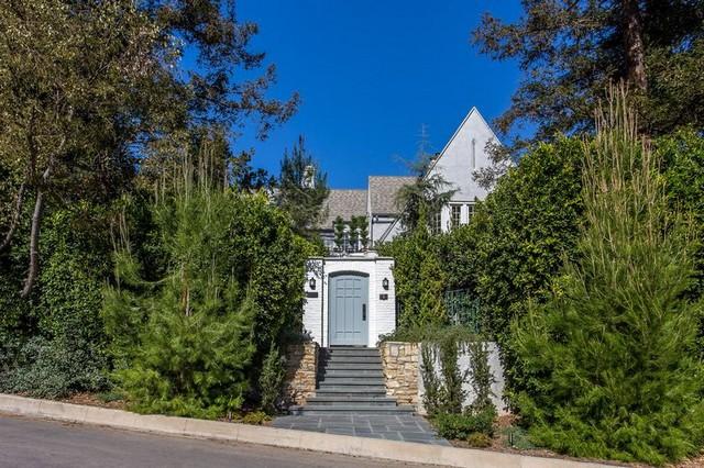 Leonardo Di Caprio's New Mansion is Scandinavian Wonderland