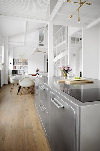 How to Have a Parisian-like Industrial Style Kitchen